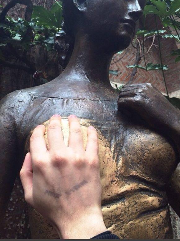 La estatua de Julieta.