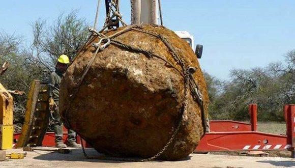 Este es el meteorito más grande que se haya encontrado en Sudamérica. Foto: TELAM.