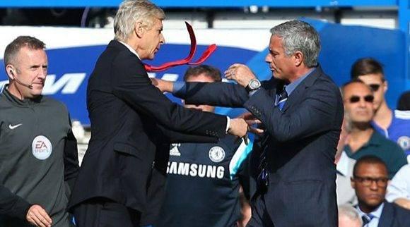 Mourinho y Wenger, en Stamford Bridge en una imagen de 2014. Foto: AFP
