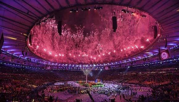Estas espectaculares imágenes iniciaron los Juegos Paralímpicos 2016. Foto: EFE.