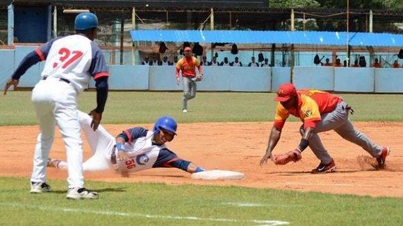 Camagüey y Matanzas juegan hoy partido pendiente del campeonato cubano de Béisbol
