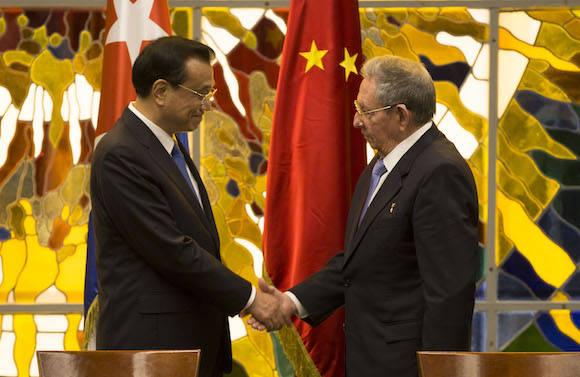 Sostiene Raúl Castro conversaciones oficiales con el Primer Ministro de China