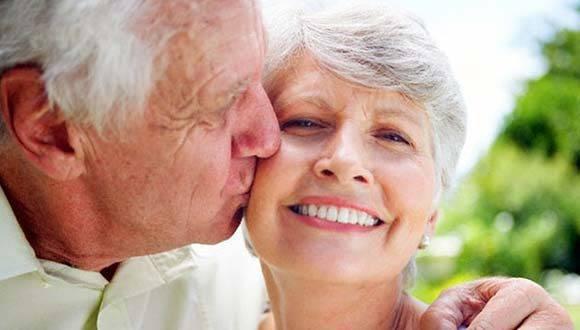 Académicos estadounidenses analizaron datos colectados por los servicios sociales de EE.UU. sobre más de 2.200 mujeres y hombres jubilados con edades comprendidas entre los 57 y 85 años. Foto: Archivo.