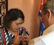 Entrega de la Medalla de la Amistad a María Do Socorro Gomes, Presidenta del Consejo Mundial de la Paz. Foto: María del Carmen Ramón/ Cubadebate.