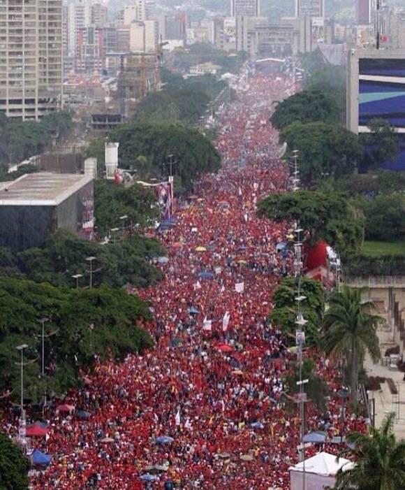 Zehntausende demonstrierten auf der Avenida Bolívar. Foto: Cubadebate