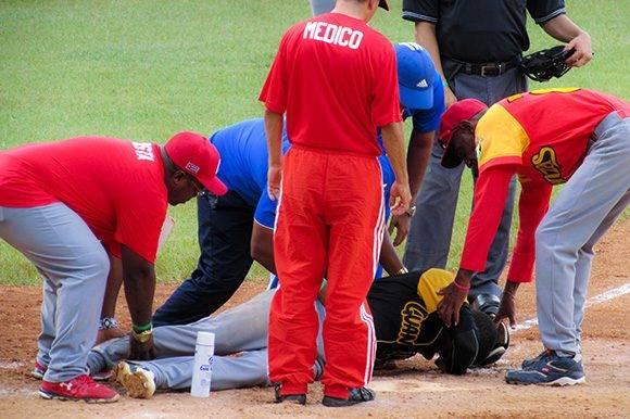 Una lesión sacó a Julio Pablo del partido. Foto: Cinthya García Casañas.