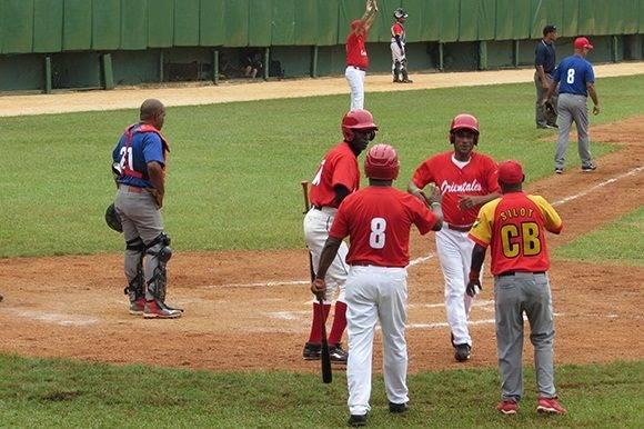 El juego terminó 6 carreras por 3. Foto: Cinthya García Casañas.