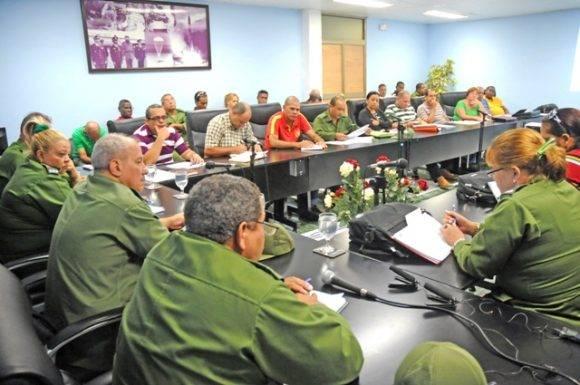 El Consejo de Defensa Provincial evaluando las medidas a tomar. Foto: Periódico Venceremos