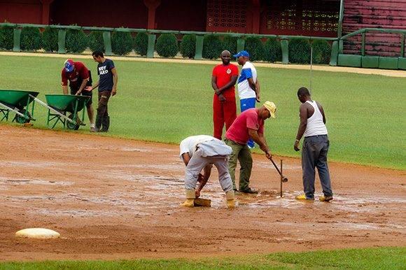 Los directivos de cada equipo, así como los demás miembros de las escuadras, resaltaron el buen trabajo realizado en el terreno. Foto: Cinthya García Casañas/ Cubadebate