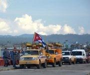 Brigada de linieros de diferentes provincias se encuentran en Baracoa para apoyar a esa ciudad en las labores de restablecimiento después del paso del huracán Matthew por la provincia de Guantánamo, 7 de octubre de 2016.   ACN FOTO/Juan Pablo CARRERAS/sdl