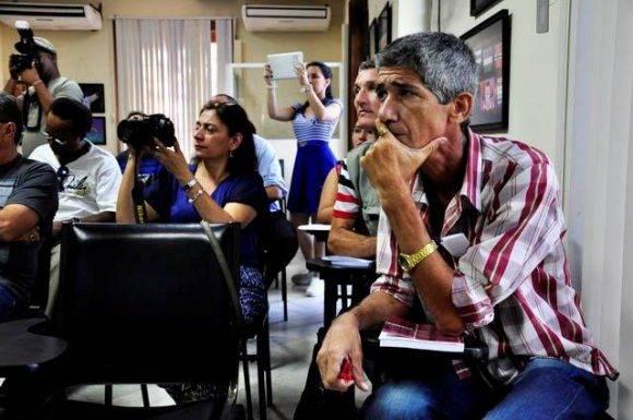 Algunos de los asistentes al Cubafoto 2016 Foto. Roberto Garaicoa Martínez./ Cubadebate
