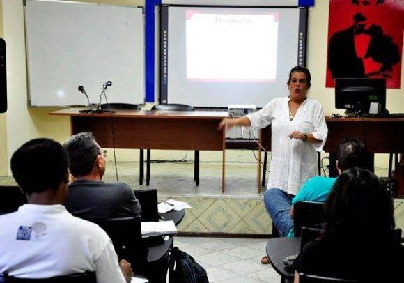 La Dra. Ana Teresa Badia encebeza la lista de conferencistas al Cubafoto 2016, Foto. Roberto Garaicoa Martínez/ Cubadebate
