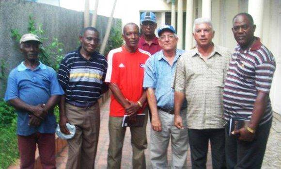 Papito Cruz, Valido, Félix Pino, Luis González, el autor, Jorge Fuentes y Casanova