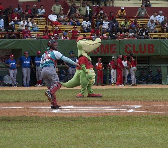 El receptor pinero Jordanys Acebal ganó en la competencia de los tiros al barril. Foto: Cinthya García Casañas.