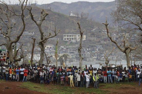 El pueblo haitiano sufrió las consecuencias del terremoto en 2010 y seis años después Matthew vuelve a provocar caos. Foto: AP.