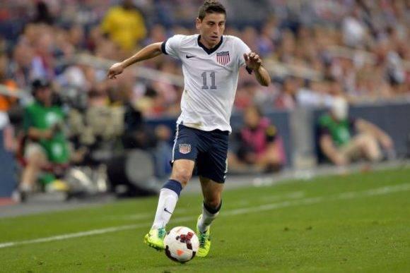El centrocampista Alejandro Bedoya defendiendo los colores de la selección norteamericana. Foto tomada de bleacherreport.com