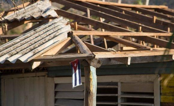 En Mata, el poblado guantanamero por donde salió de suelo cubano el Huracán Matthew. Foto: Ismael Francisco / Cubadebate