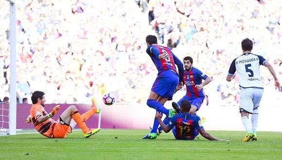 El FC Barcelona se coloca en el segundo lugar por detrás del Sevilla, a falta de que el Atlético y el Real Madrid disputen sus encuentros. Foto: David Ramos/ Getty.