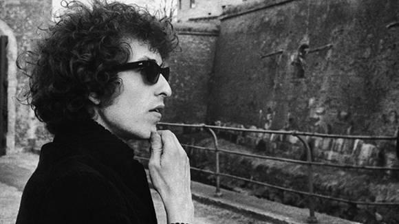Dylan, el poeta que llegó a la literatura a través de la música.