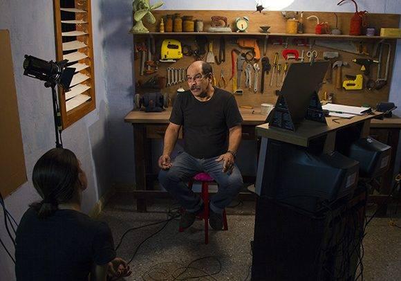 Paul Chaviano conversa con Canal USB desde su espacio en los Estudios de Animación del ICAIC. Foto: Ladyrene Pérez/ Cubadebate.