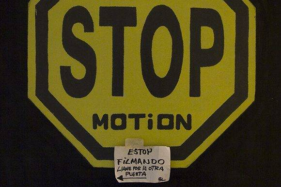 Esta señal recibe a quienes visitan a Paul Chaviano en su oficina en los Estudios de Animación del ICAIC. Foto: Ladyrene Pérez.