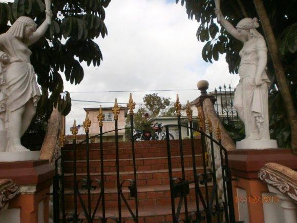 Esculturas medievales. Foto Rosa María Roque, Pinar del Río / Cubadebate