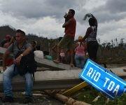 El paso del Huracán Matthew ha provocado el colapso del puente sobre el Río Toa. Foto: Heidi Calderón Sánchez.