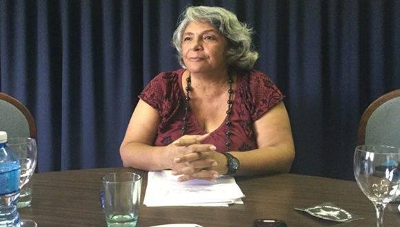 La vicepresidenta en funciones del Consejo de la Administración Provincial de La Habana, Isabel Hamze en encuentro con la prensa.