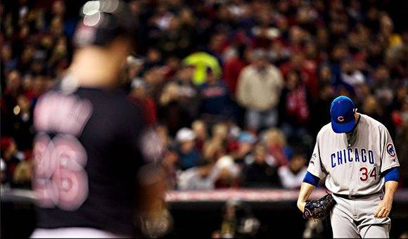 El experimentado Jon Lester, no pudo llevar a su equipo a la victoria. Foto: Andrew Hancock.