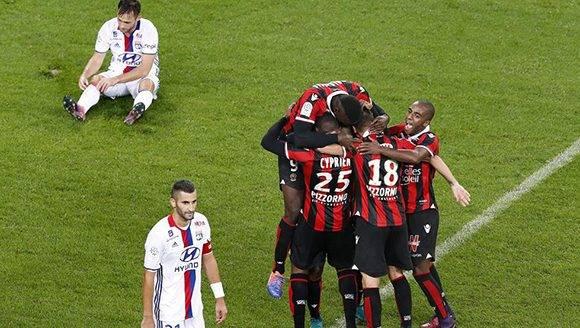 Jugadores del Niza celebran uno de los goles conseguidos ante el Lyon. Foto: EFE.
