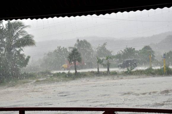 Las lluvias permanentes amenazan con volver más compleja la situación en San Antonio del Sur.