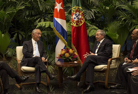 Recibe Raúl Castro a presidente portugués Marcelo Rebelo  de Sousa