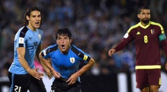 Nicolás Lodeiro celebra su gol ante Venezuela. Foto tomada de El Comercio.