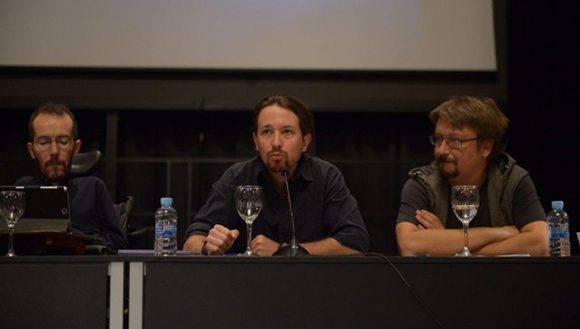 Pablo Iglesias (c), Pablo Echenique (i) y Xavier Domènech (d), en el Consejo Ciudadano Estatal. Foto: @ahorapodemos.