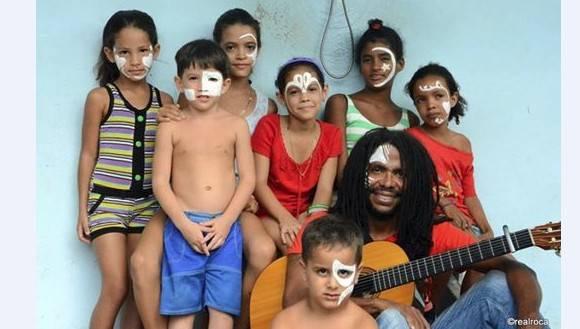 Raúl torres y niños 580