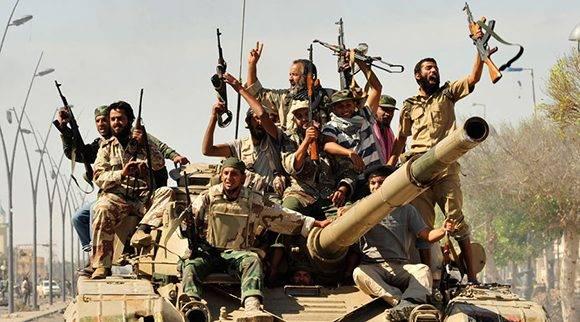 Rebeldes celebran la caída de Sirte el 20 de octubre 2011. Foto: Reuters/ Esam Al-Fetori