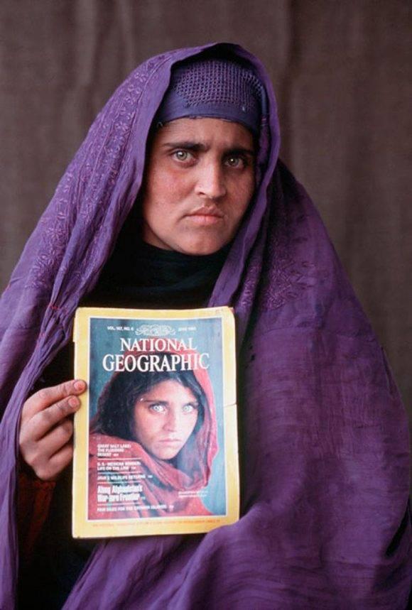 Sharbat Gula, apodada La Mona Lisa de la guerra de Afganistán por el retrato del fotógrafo Steve McCurry. Foto: National Geographic.