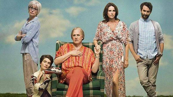 Transparent se centra en las problemáticas internas de una familia, luego de que el padre anuncia que se siente mujer. Foto: Amazon.