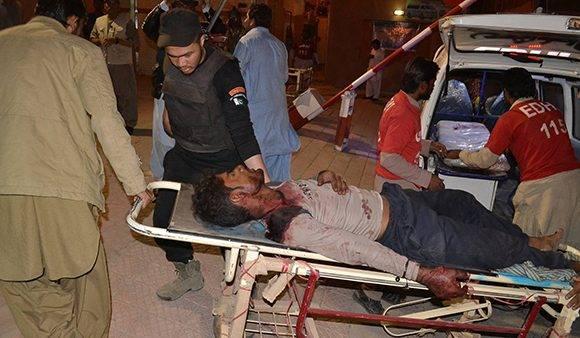 Al menos 59 personas han muerto tras el atentado en Pakistán. Foto: AP.