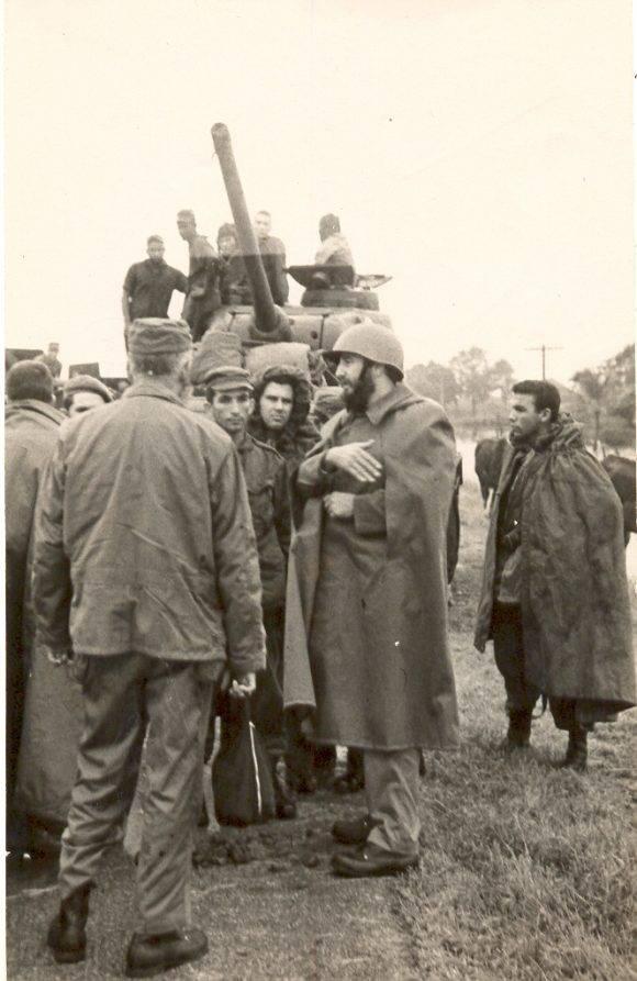 Fidel en los días del Ciclón flora. Foto: Archivo de Bohemia