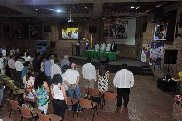 Termina el encuentro del Movimiento Colombiano de Solidaridad con Cuba. Foto: Facebook de Kenia Serrano.