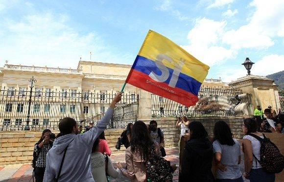 Reclaman fin de los conflictos militares en Colombia. Foto: EFE.