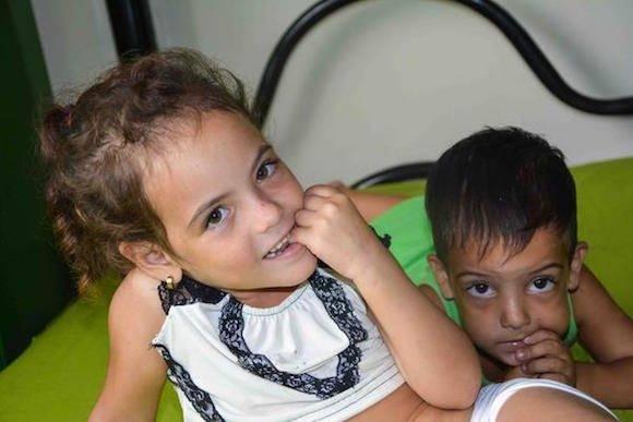 Niños hijos de madres embarazadas se encuentran evacuados en la Universidad de Ciencias Médicas. Foto: Maciel PEÑA DE LA PEÑA/ACN