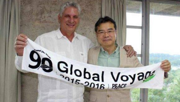 Díaz-Canel destacó la importancia que Cuba concede a la visita del 'Barco por la Paz', principalmente por lo que representa la lucha de esta organización internacional contra el uso de las armas nucleares. Foto: Prensa Latina.