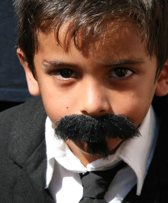 Un niño representado a Carlos Manuel de Céspedes del Castillo en Plaza del Himno. Foto: Ismael Francisco/Cubadebate.