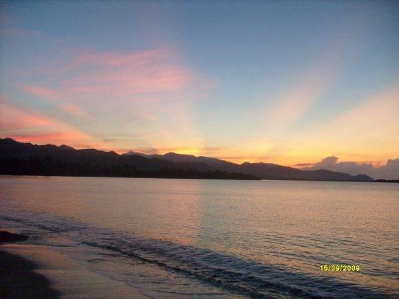 El amanecer en Marea del Portillo, Pilón, Provincia de Granma. Foto : Ana Isabel Maury / Cubadebate