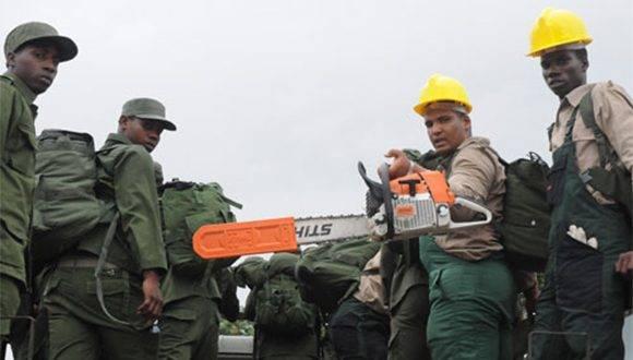 Las FAR protagonizan las labores de recuperación en Guantánamo. Foto: Periódico Venceremos.