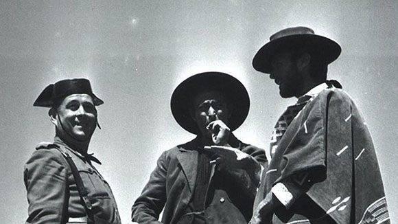 De derecha a izquierda: el Bueno, el Malo y el Guardia Civil Asociación Sad Hill