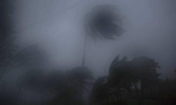 Fuertes vientos y lluvias debido al huracán Matthew cerca de Baracoa (Cuba). Foto: Ramón Espinosa/ AP