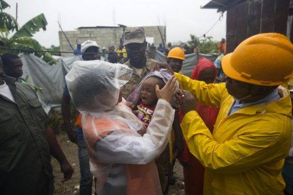 Varios poblados de Haití tuvieron que ser evacuados por completo para disminuir los riesgos. Foto: AP
